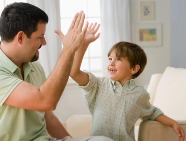 چرا باید کودک خود را تشویق کرد؟
